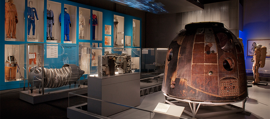 The Soyuz TM-14 descent module and the Outposts in Space section of the Cosmonauts exhibition © Science Museum